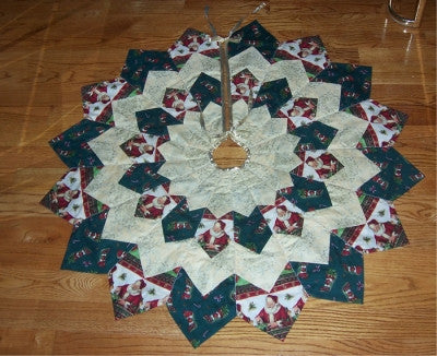 Christmas Tree Skirt Patterns.Dresden Plate Christmas Tree Skirt