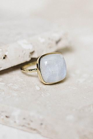 Clara Ring - Moonstone + Gold
