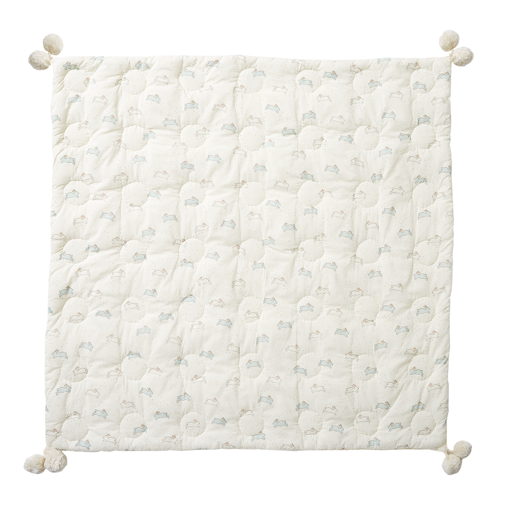 Quilted Pom Pom Blanket :: assorted designs