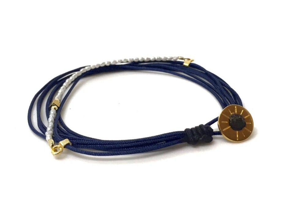 STRING BRACELET NAVY + PEARLS
