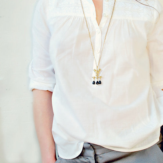 Golden Baroque Pendant Necklace