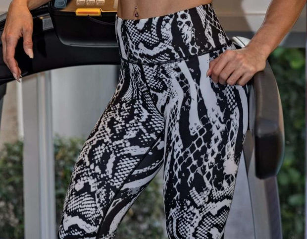 *NEW & LIMITED The Viper Waist Leggings