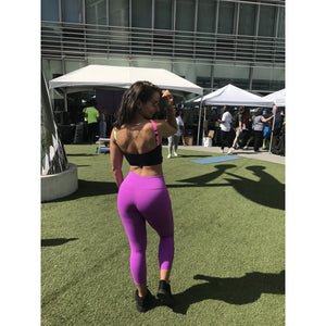 Performance Capris in Violet