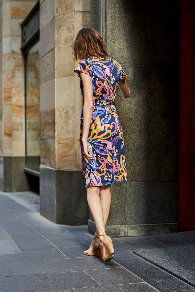 DEVOI stretch cotton printed, sleeveless dress with a v-neck and cap sleeves. Dress has waist tucks for shaping. Fitted dress. Work Dress. Party dress. weekend dress.