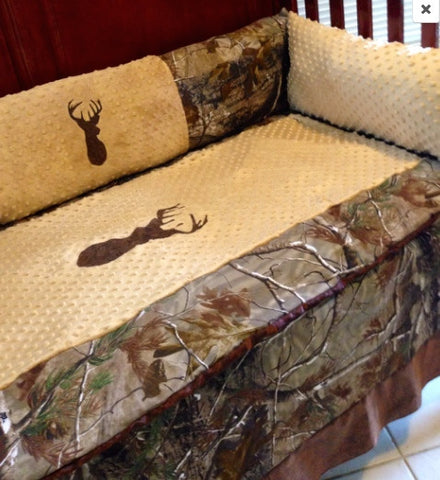 Attrayant ... Brown Buck Realtree AP Camo Hunting Baby Bedding Set For Your Nursery  ...