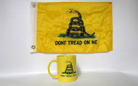 Gadsden yellow coffee mug with flag