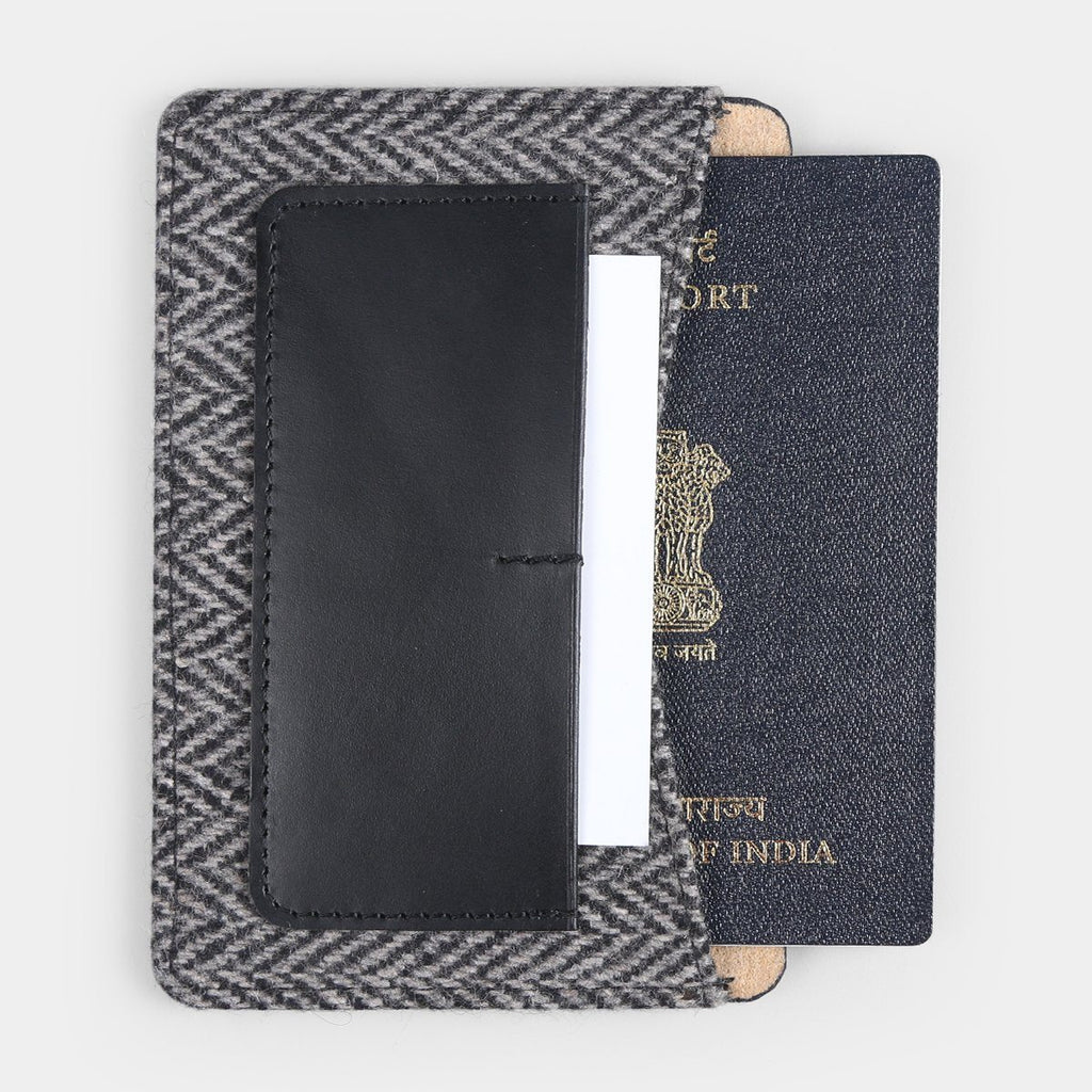 FELT PASSPORT HOLDER