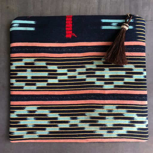 Clutch turquoise and Navy Aztec
