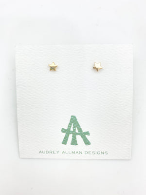 Tiny Star Stud Earring