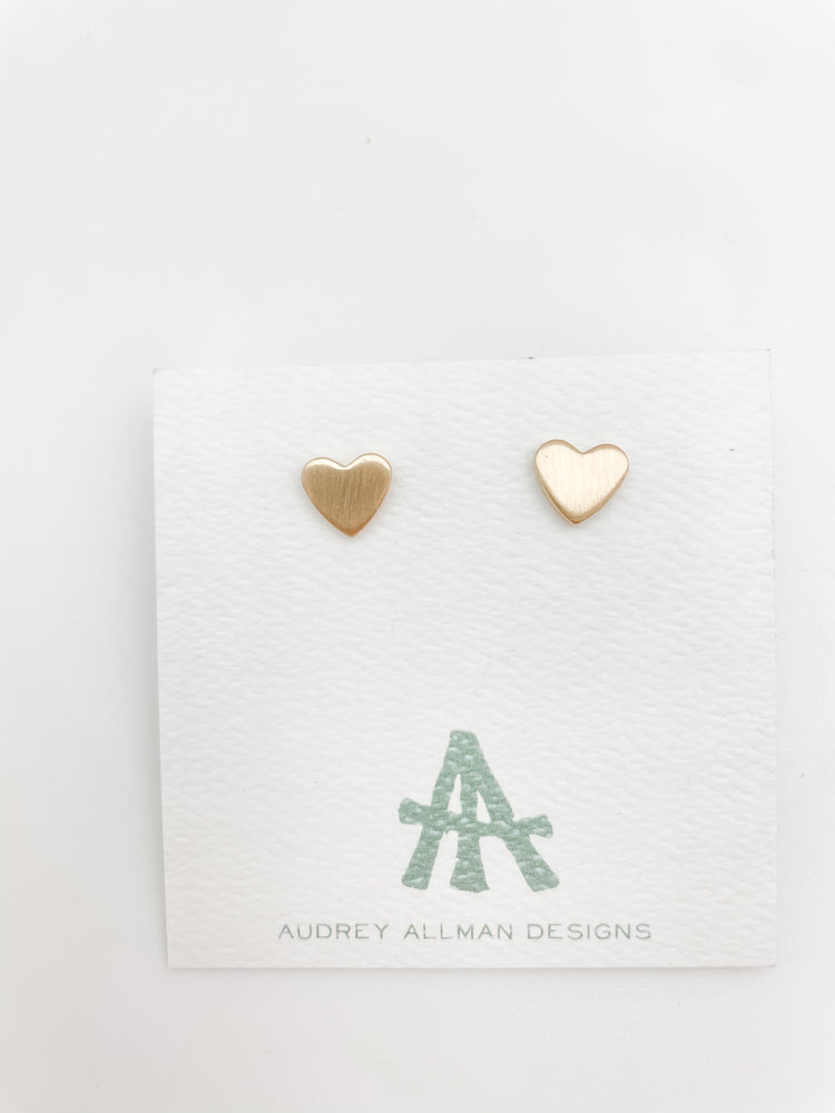 Load image into Gallery viewer, Gold Heart Stud Earring