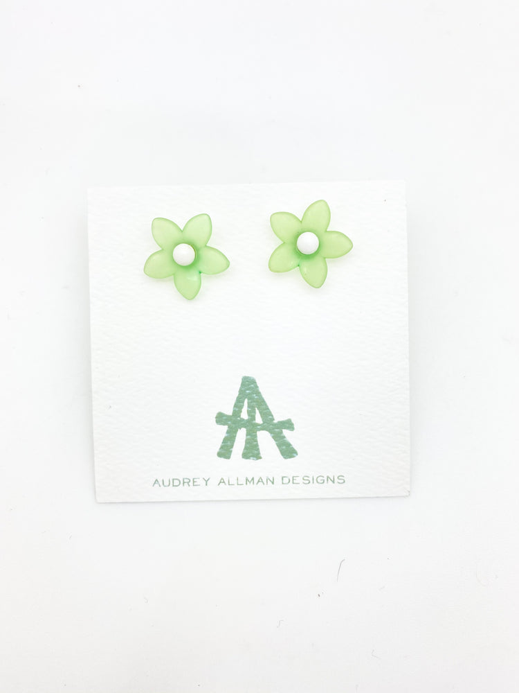 Load image into Gallery viewer, Flower Girl Earring