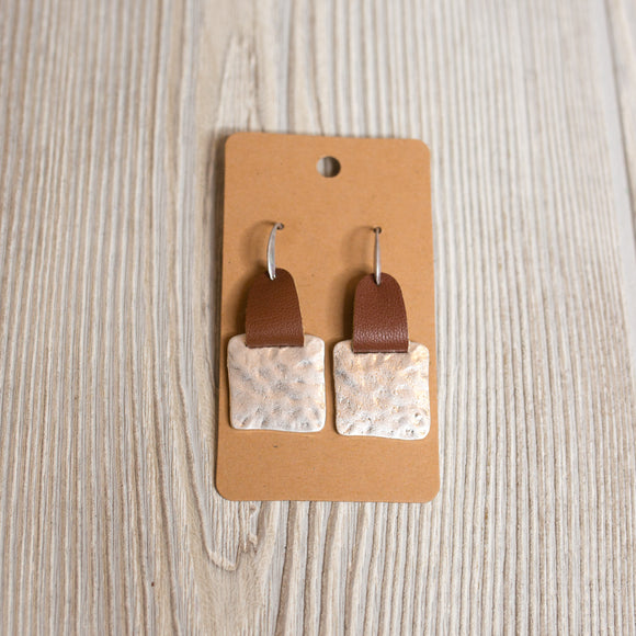 Hammered Leather Square earrings - Shoppe3130