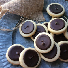 15 Dingel's Oven DINGELS Salted Caramel, Guittard® Semi-Sweet Chocolate Shortbread Cookies