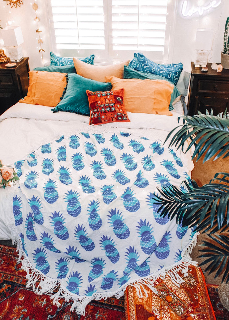 Round Mandala Pineapple Blue Tapestry