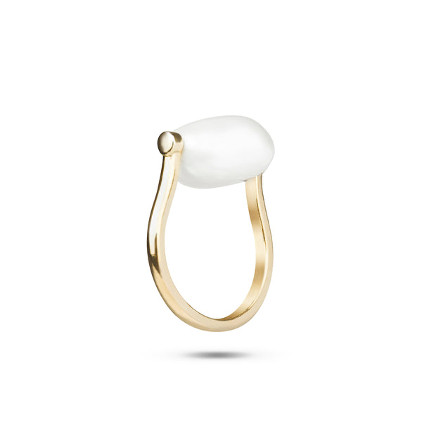 Heirloom Pearl Ring. 9k Yellow Gold