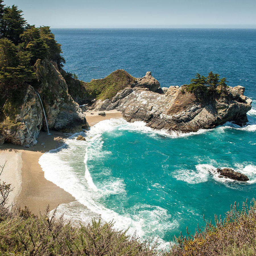 McWay Falls at Julia Pfeiffer Burns State Park, Big Sur, CA. Copyright: rolf52 / 123RF Stock Photo