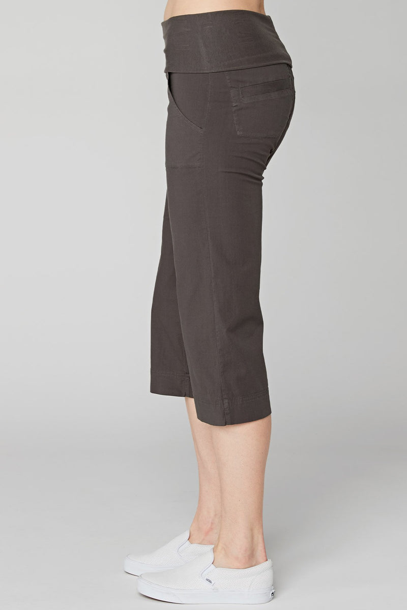 Wearables 4-Pocket Fold Over Crop
