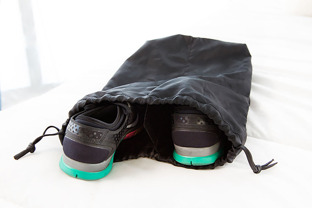 NYLON DRAWSTRING SHOE BAG - PERSUCOLLECTION functional men and women's duffle bag, gym bag, travel bag all-in-one! The only washable interior gym bag.