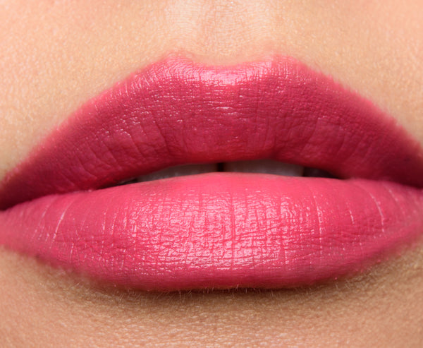 SOPHIA Laura Mercier Creeme Smooth Lip Colour