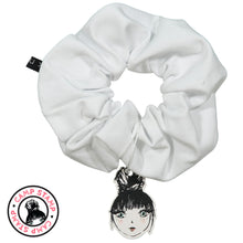 Load image into Gallery viewer, SHAPE JUMBO SCRUNCHIE - KNOT Hairbands