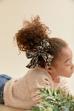 Load image into Gallery viewer, FLEUR SCRUNCHIE - KNOT Hairbands