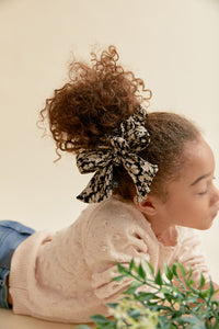 FLEUR SCRUNCHIE - KNOT Hairbands