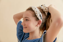 Load image into Gallery viewer, DAISY HEADBAND + SCRUNCHIE SET - KNOT Hairbands