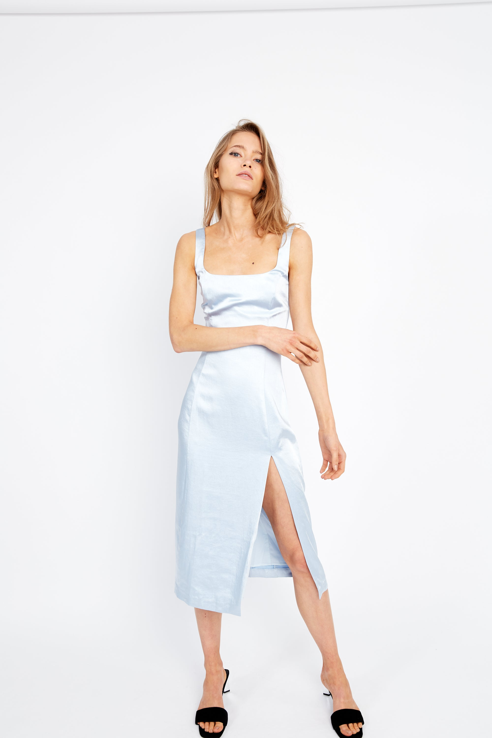 ESCAPE SPLIT DRESS | ICE BLUE