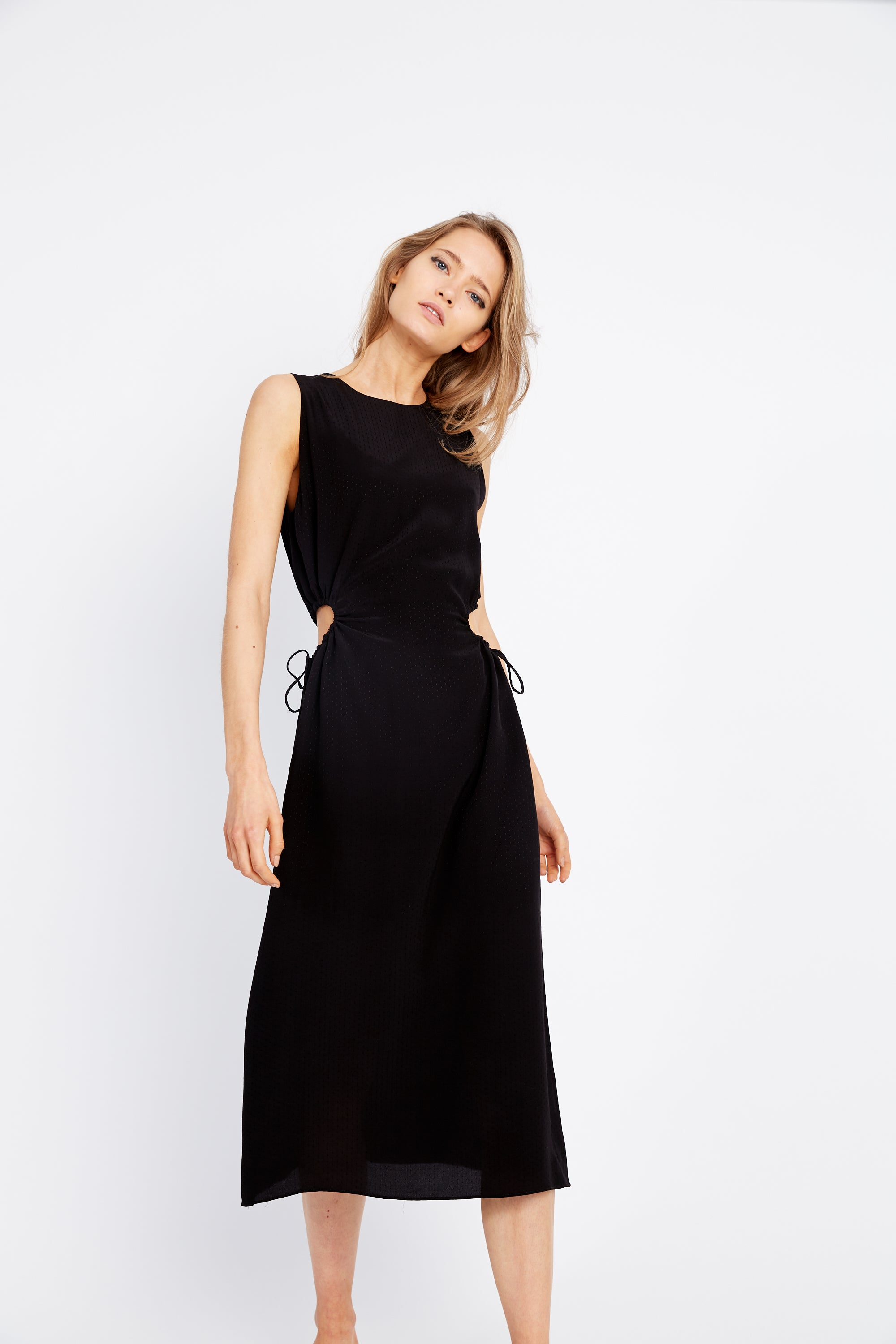 DRAWN IN MIDI DRESS | BLACK