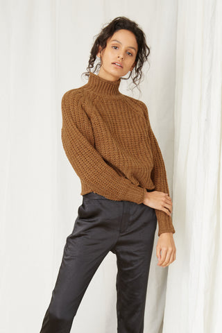 OWN BEAT CHUNKY TURTLENECK | NUTMEG