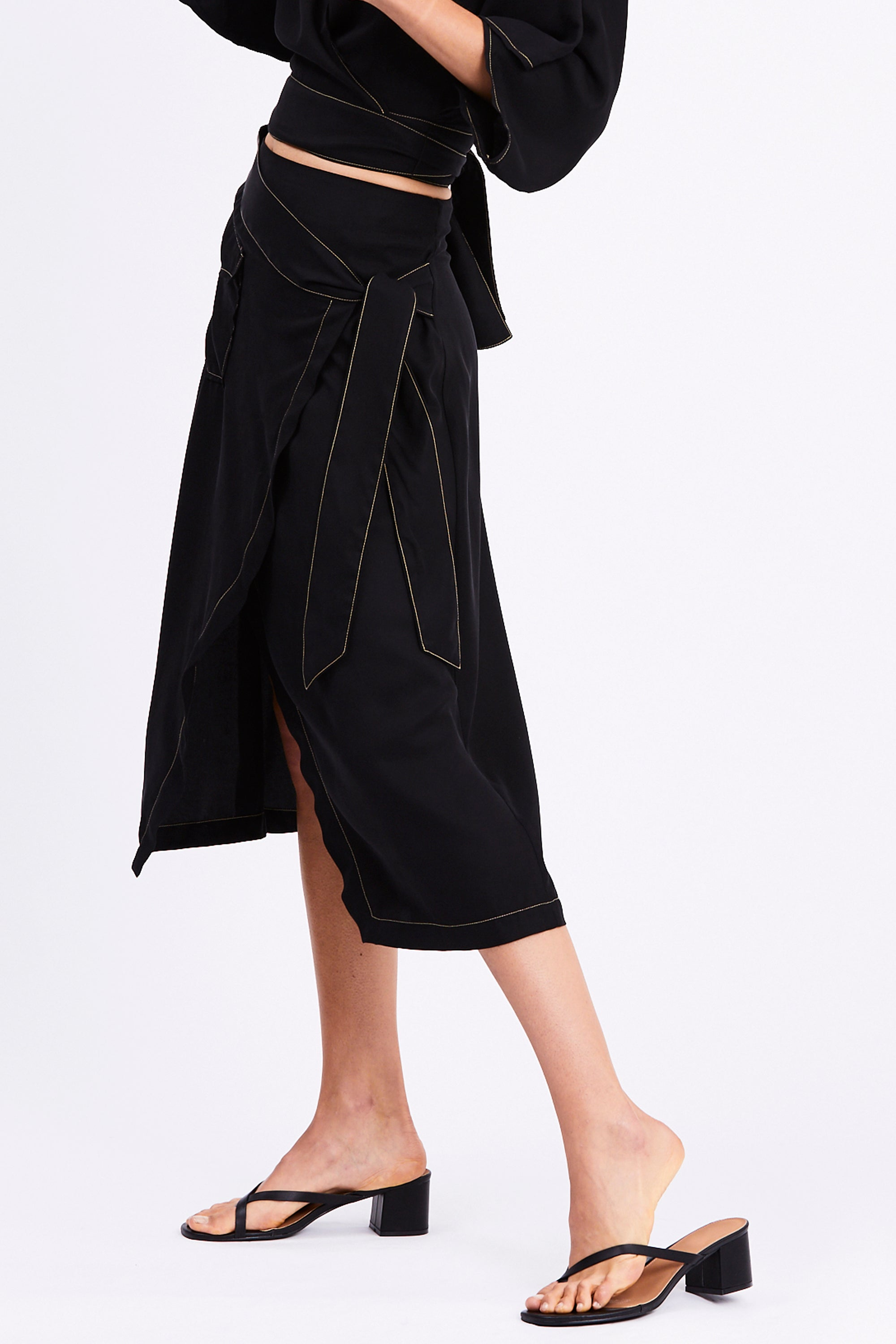 WESTERN WRAP SKIRT | BLACK