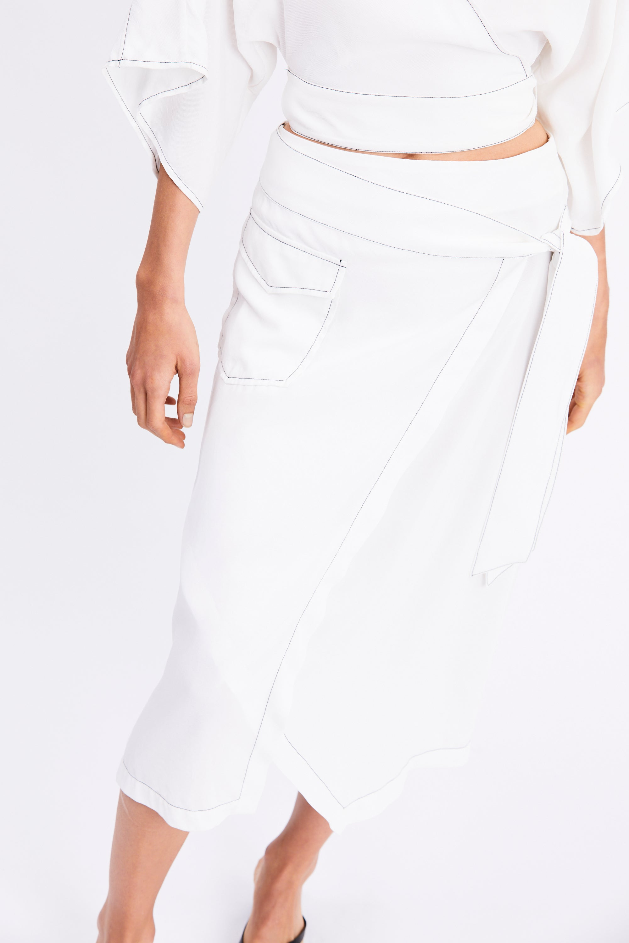 WESTERN WRAP SKIRT | OFF WHITE