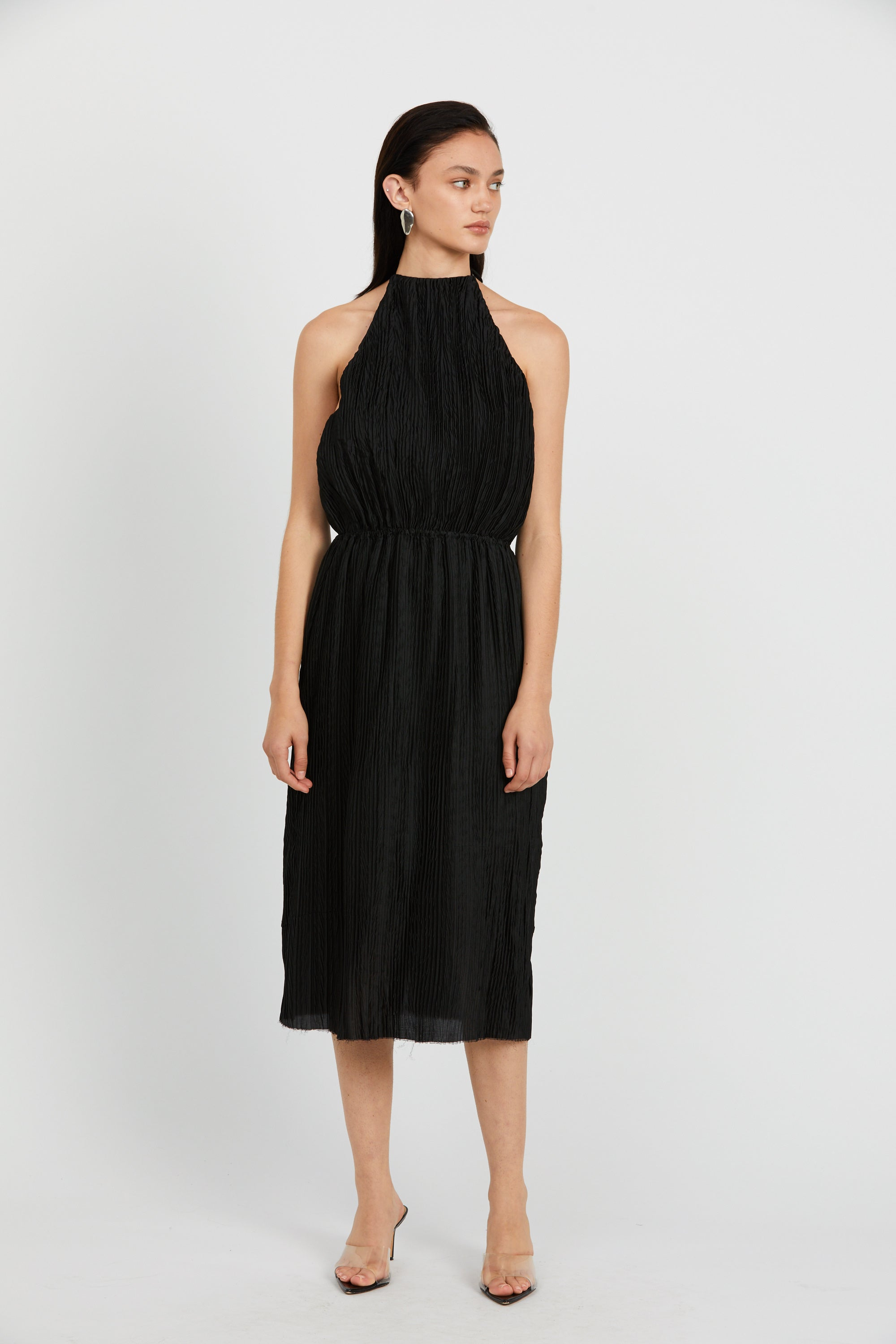 RIPPLE PLEAT HALTER DRESS | BLACK