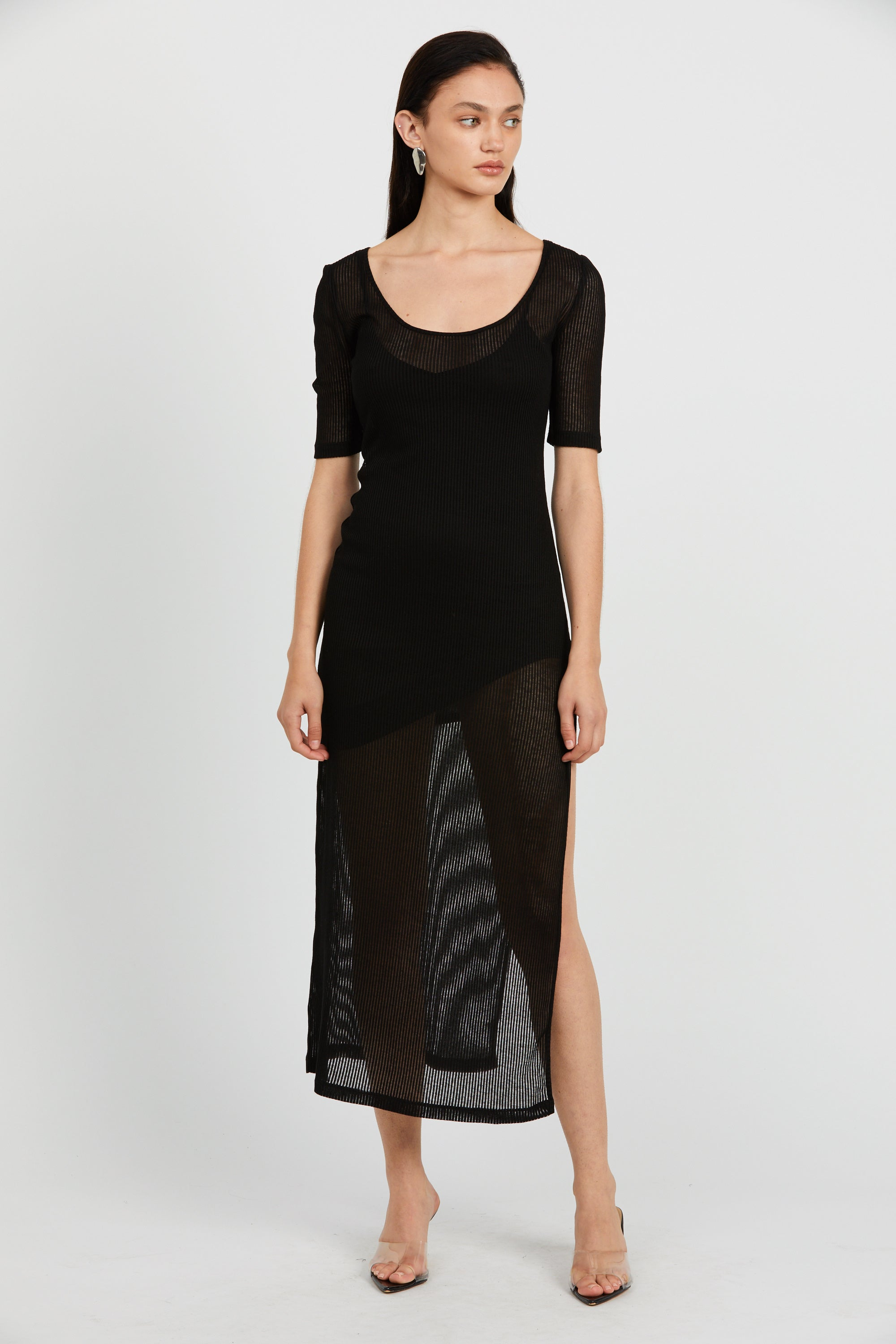 VENETIAN SCOOPED MAXI DRESS | BLACK