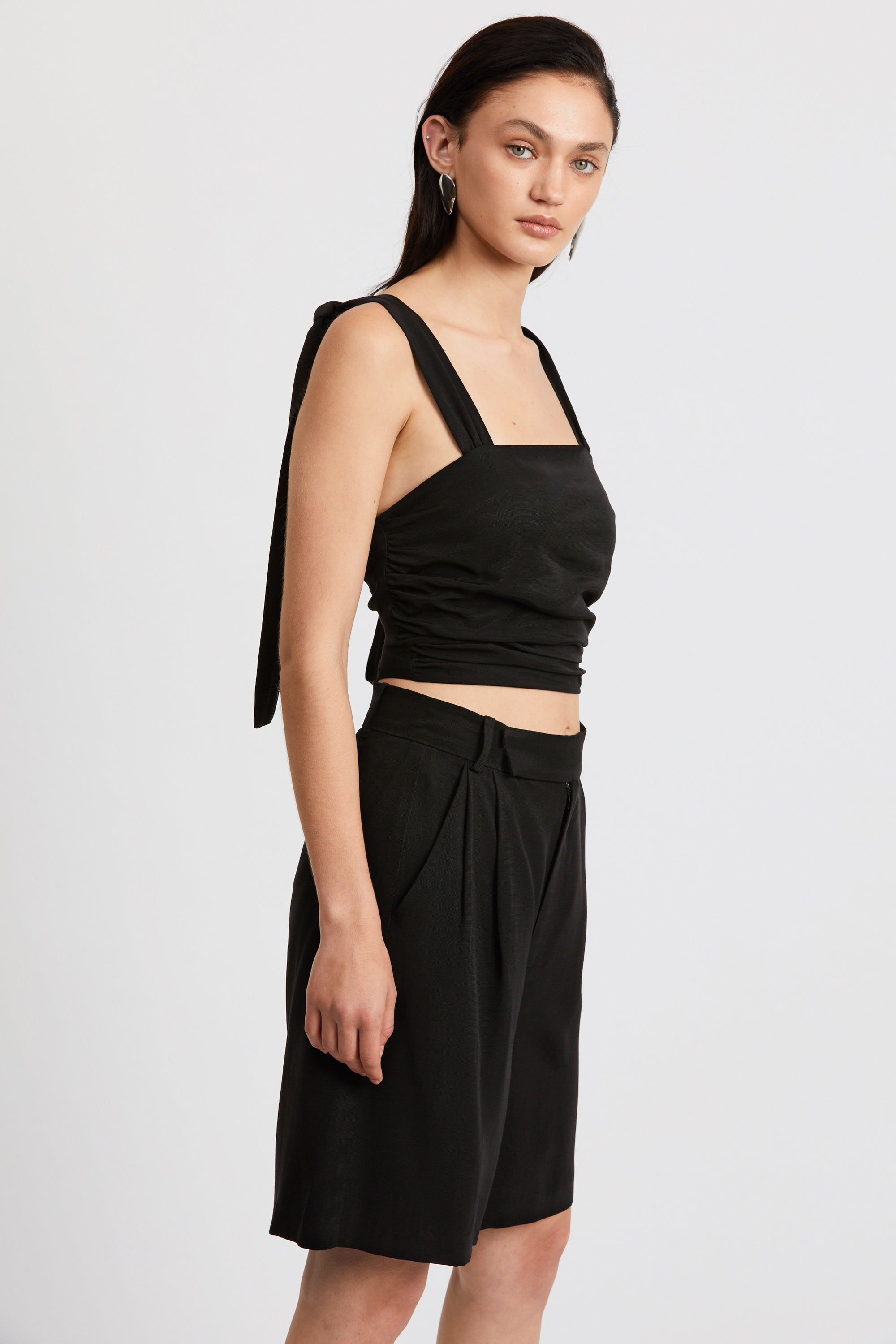 LE MODE TIE SHOULDER CAMI | BLACK