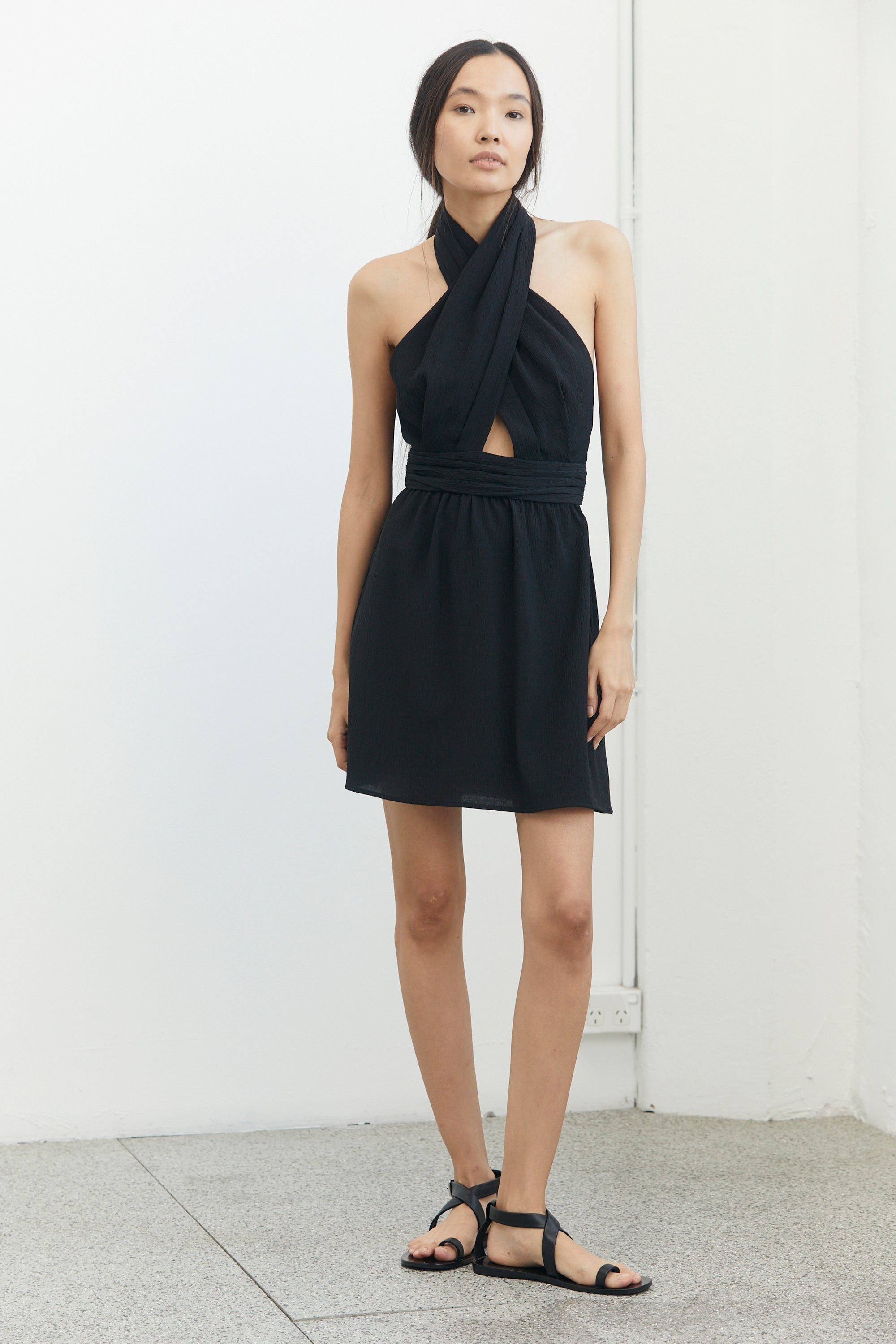 CROSSING OVER MINI DRESS | BLACK RIPPLE