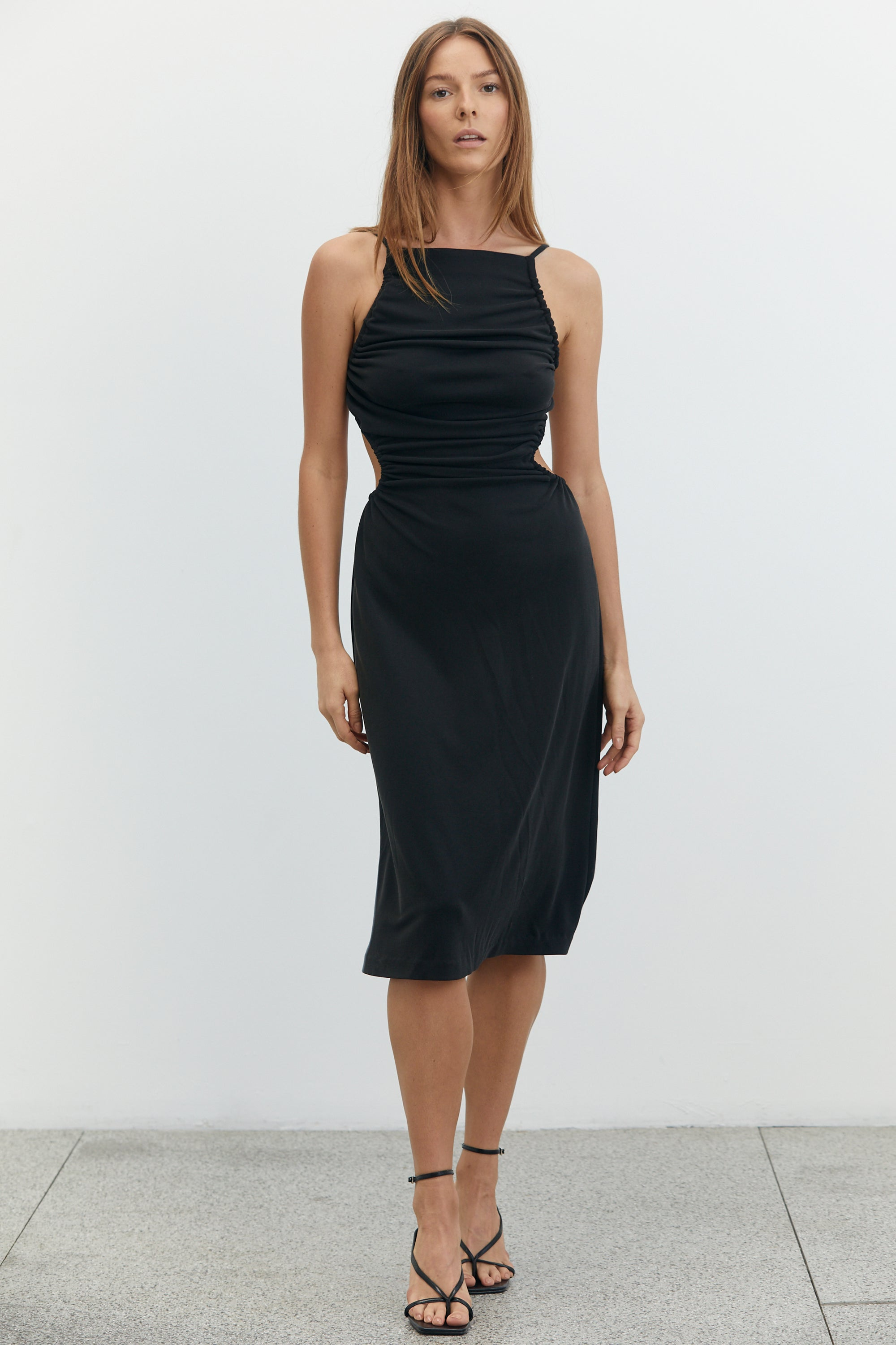 LURE IN MIDI DRESS | BLACK