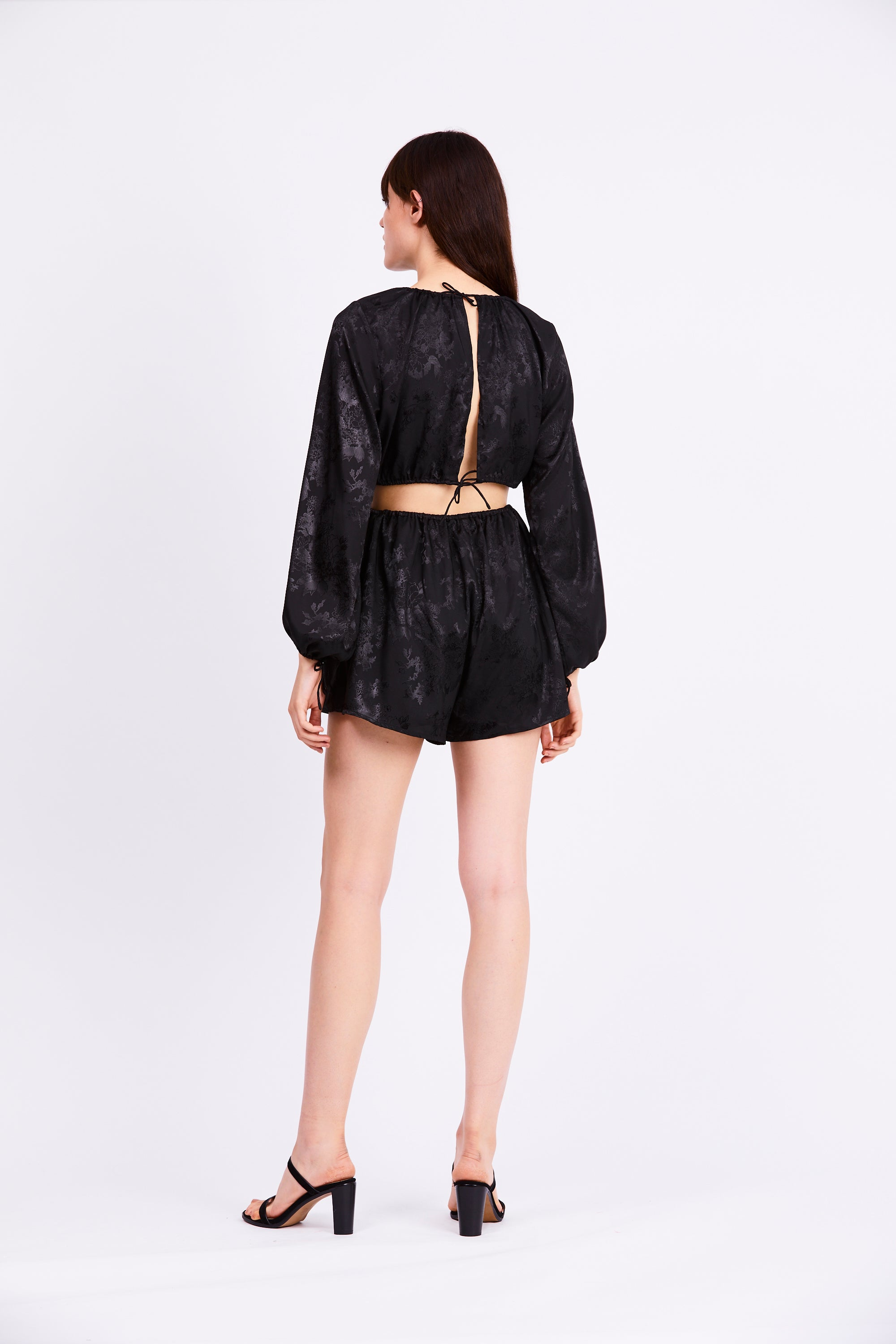 THE ORIENTAL DRAW IN BLOUSE | BLACK