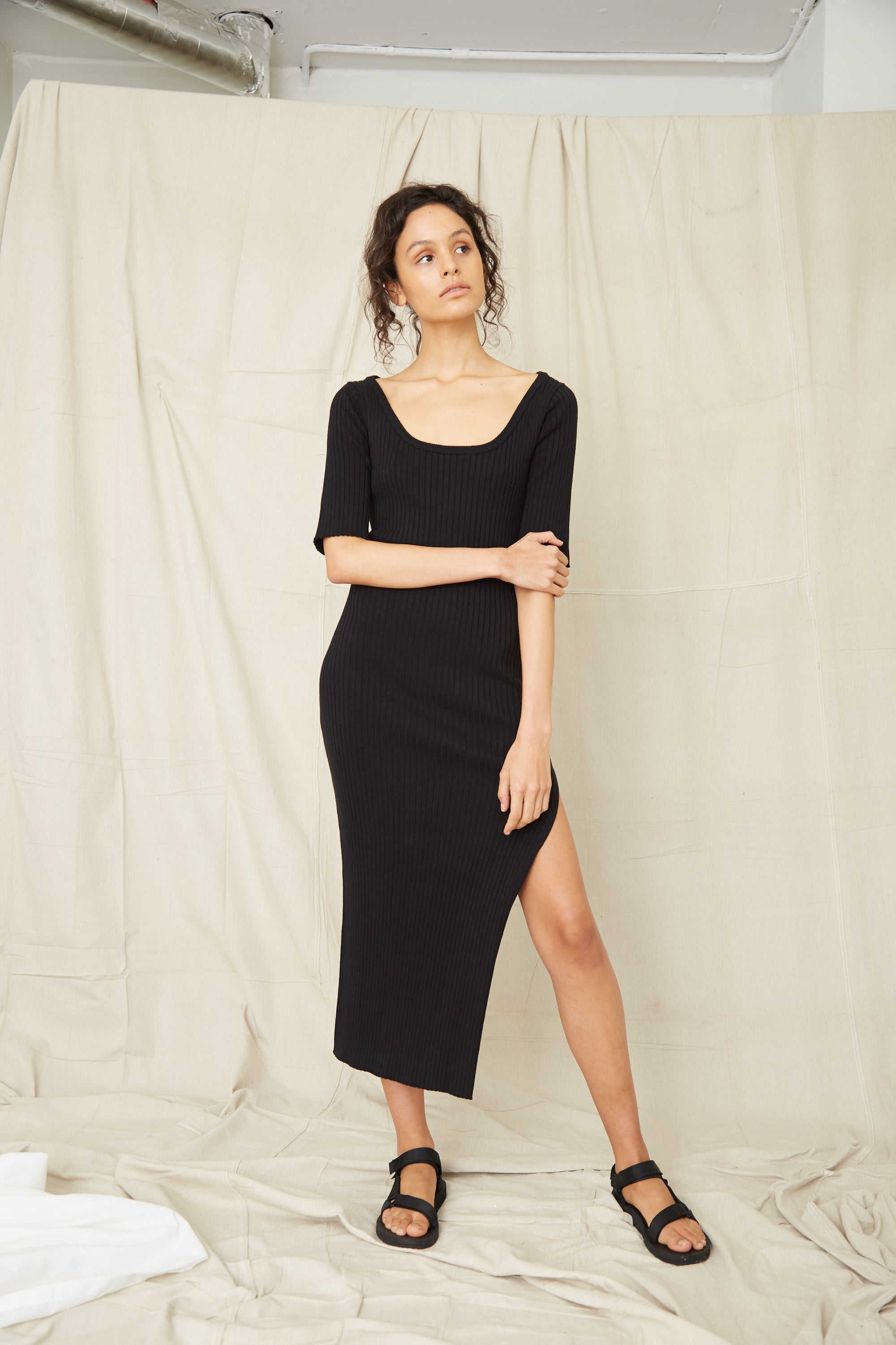 DUNES RIB KNIT SCOOP MAXI DRESS | BLACK