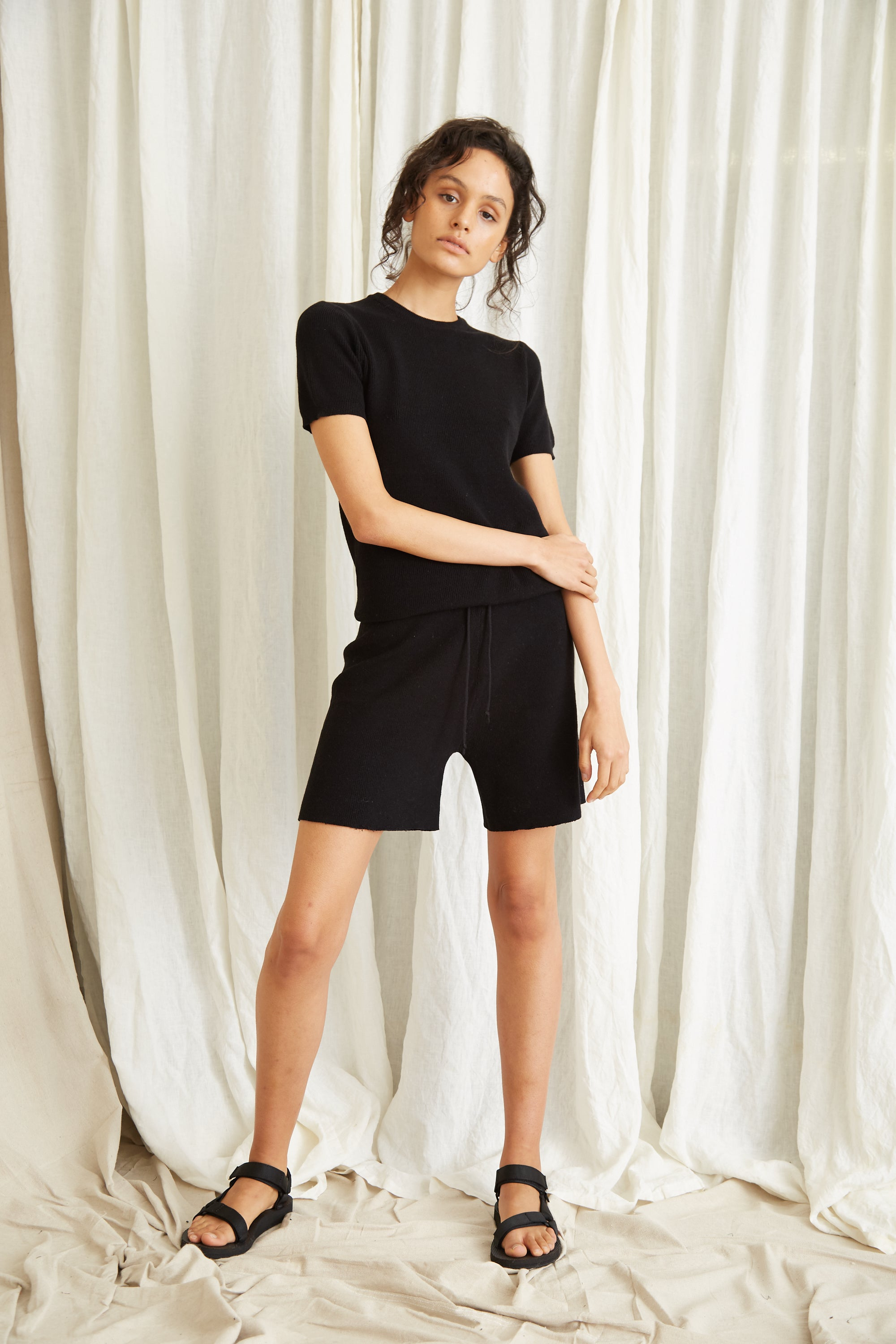 CAST AWAY KNIT RELAXED SHORT | BLACK