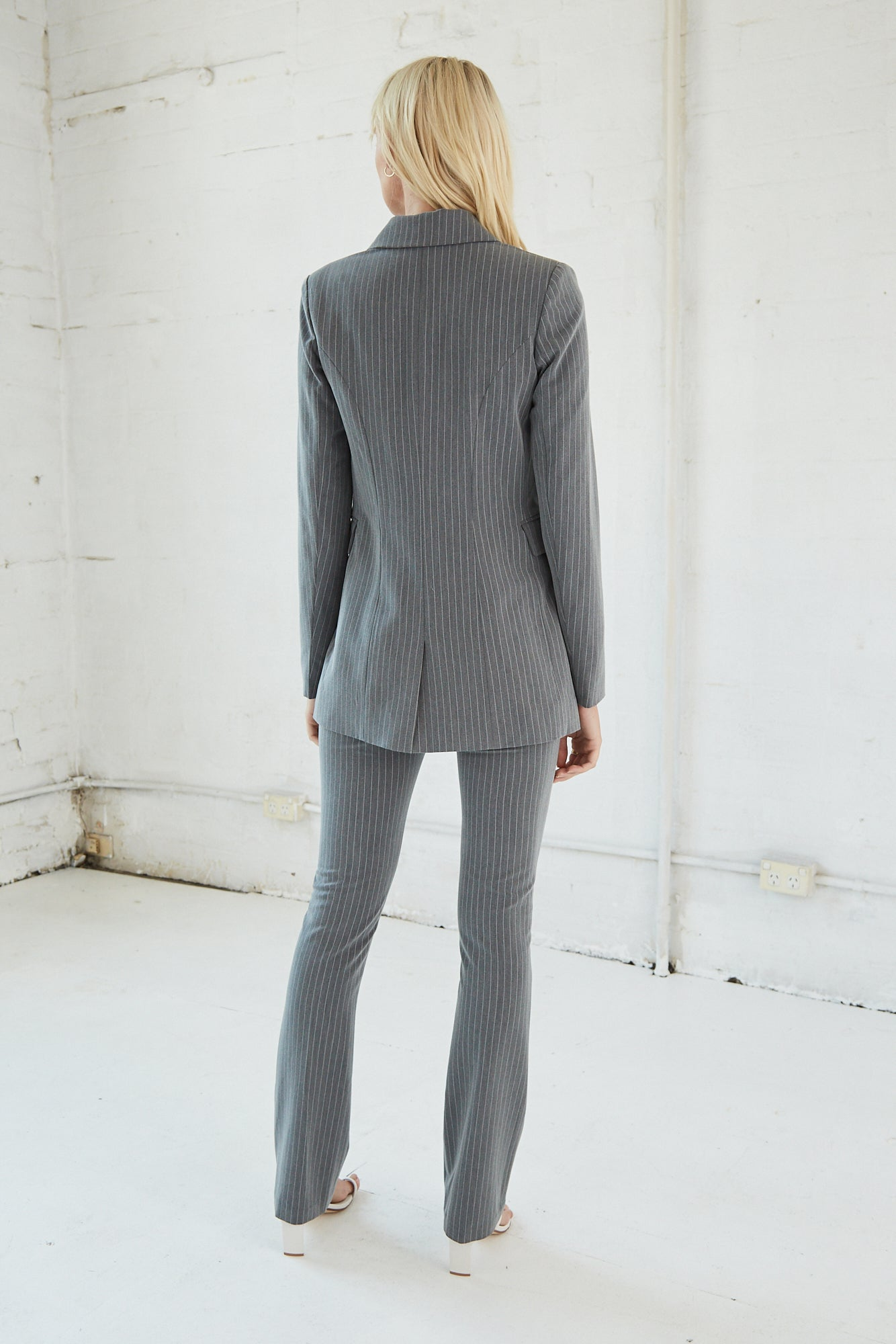 FORMALITIES SUIT JACKET | GREY PINSTRIPE