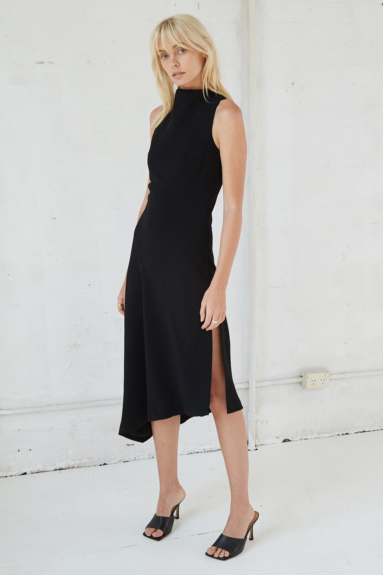 RISING MIDI DRESS | BLACK