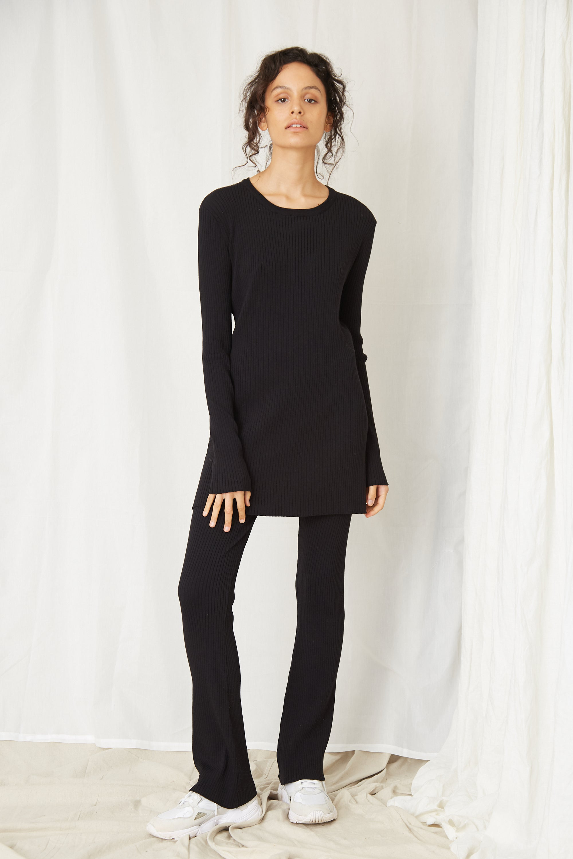 LONG LINES KNIT RIB LS TOP | BLACK