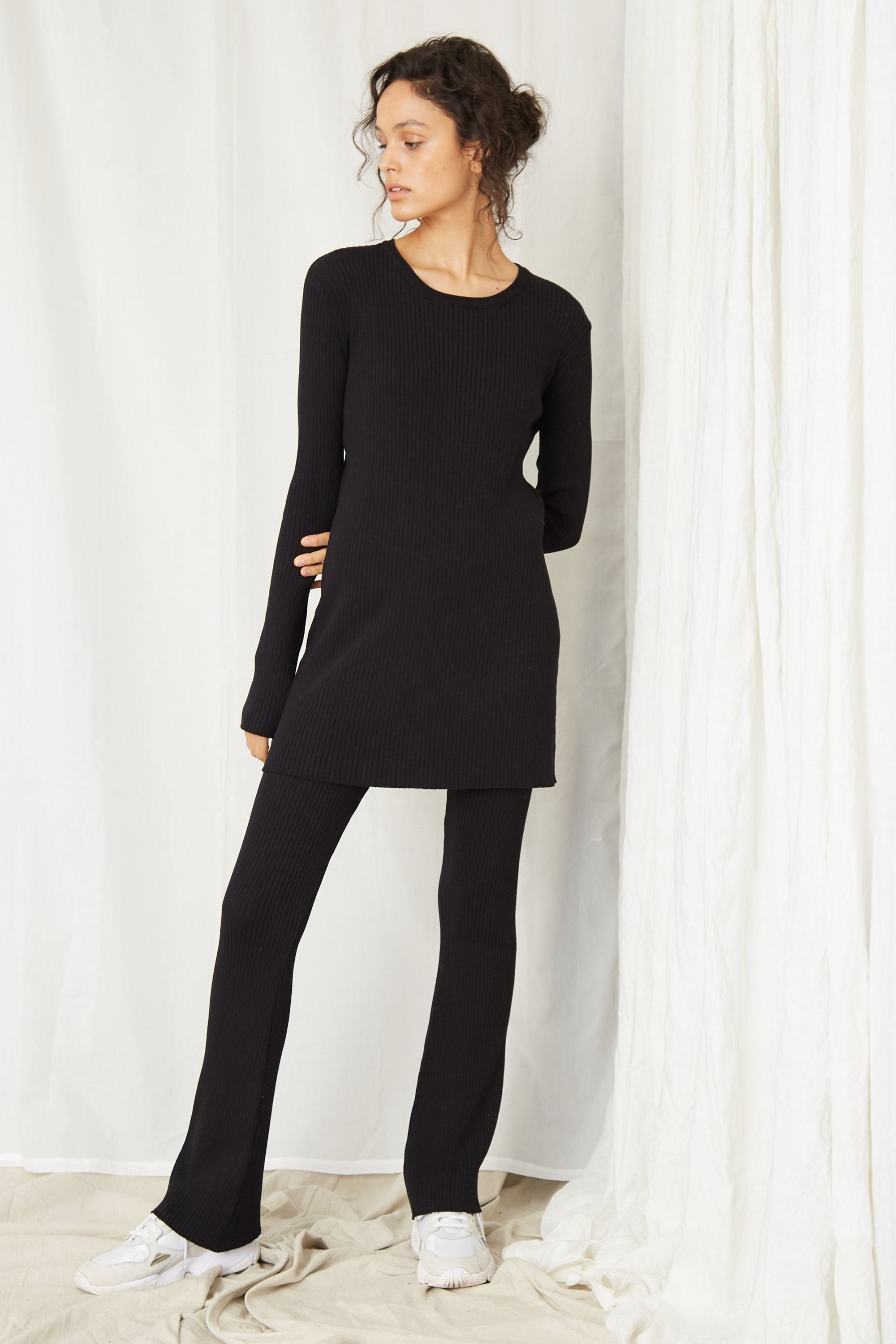 LONG LINES KNIT RIB FLARE | BLACK