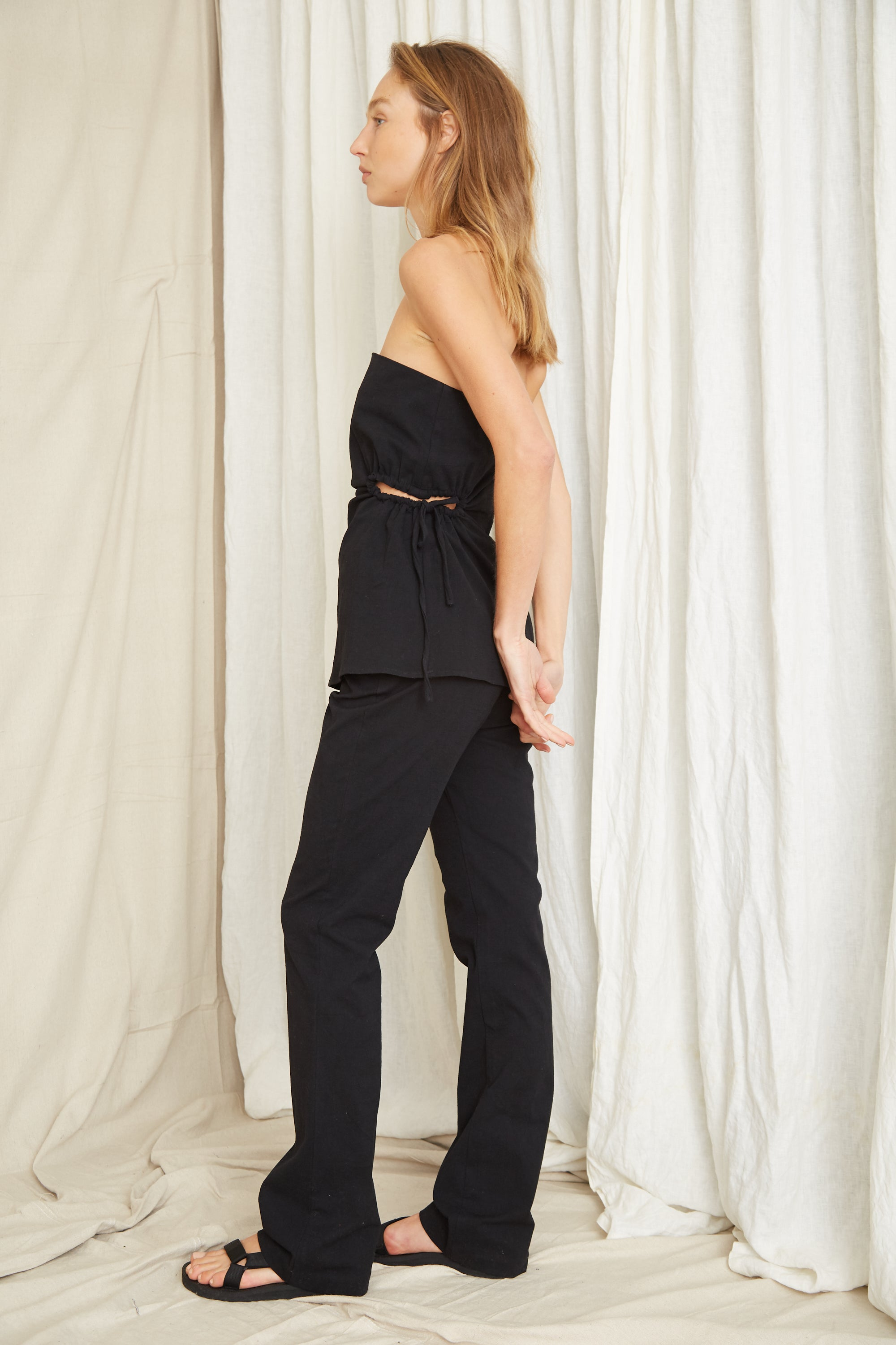 PRESSED FLOWERS RELAXED SLIM TROUSER | BLACK