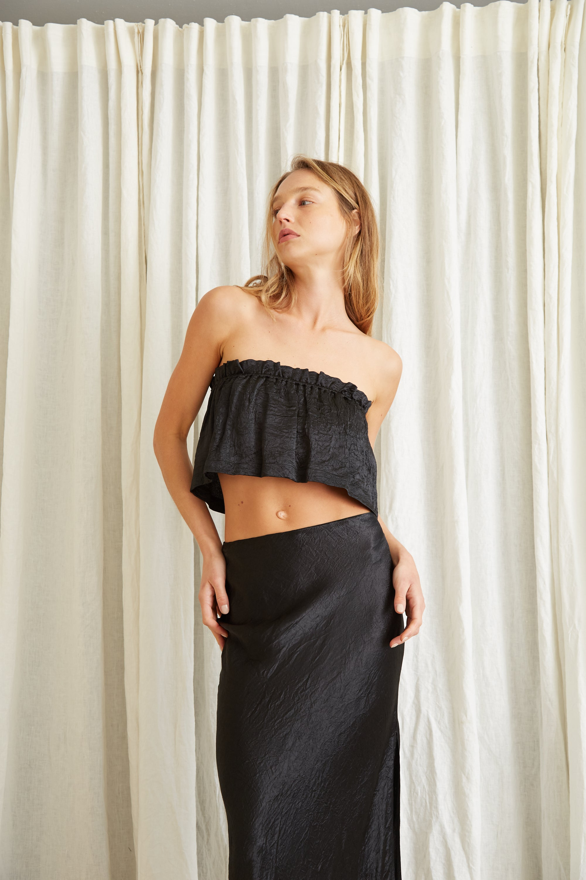 WATERS EDGE STRAPLESS TOP | BLACK