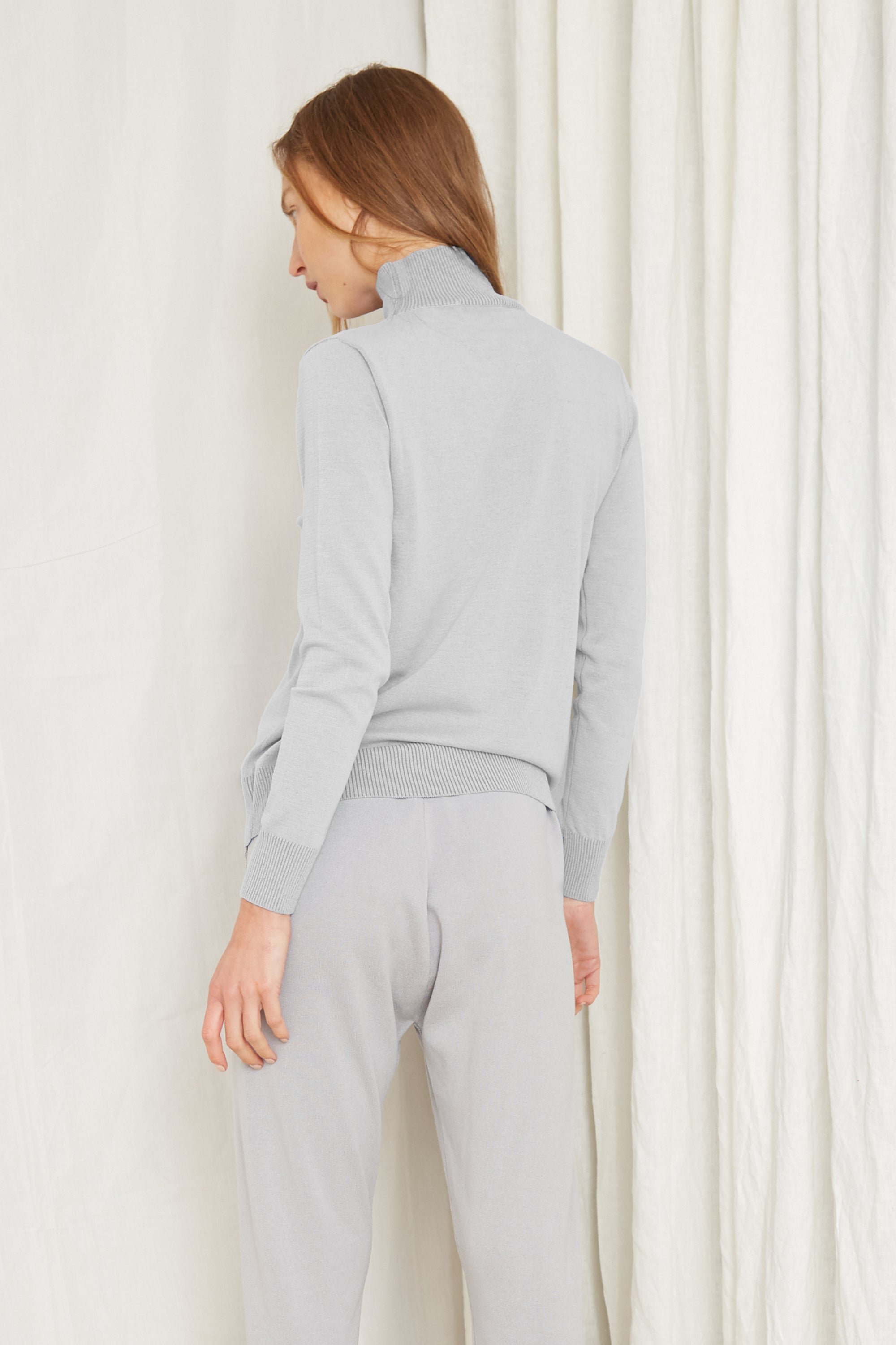 FINE DAYS KNIT TURTLENECK | GREY