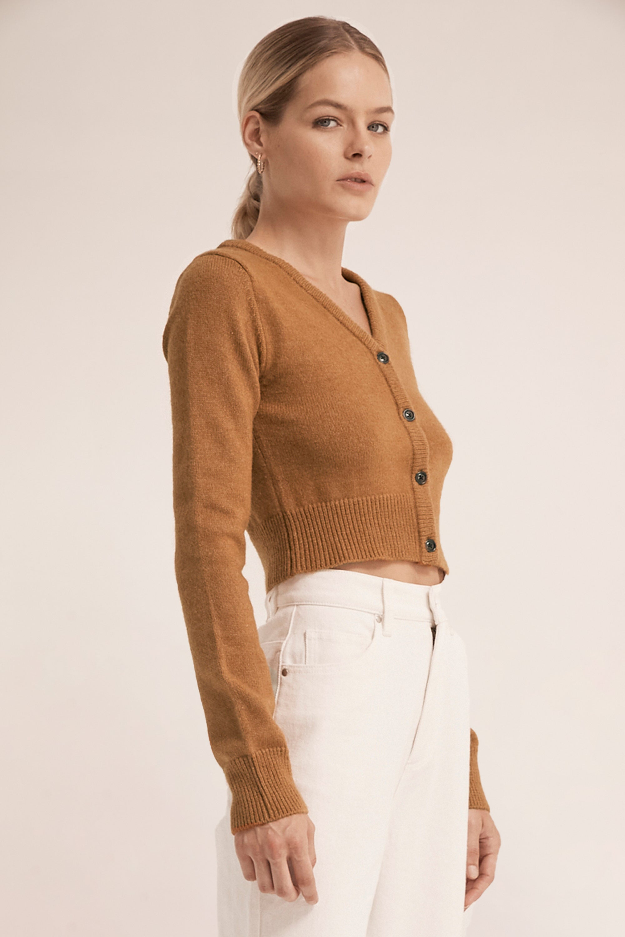 CROP KNIT CARDIGAN | CAMEL