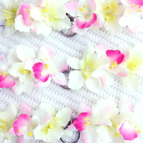 white flower choker collar necklace fashion pastel aesthetic accessories jewelry jewellery at BABY VOODOO SHOP - BABYVOODOO.COM