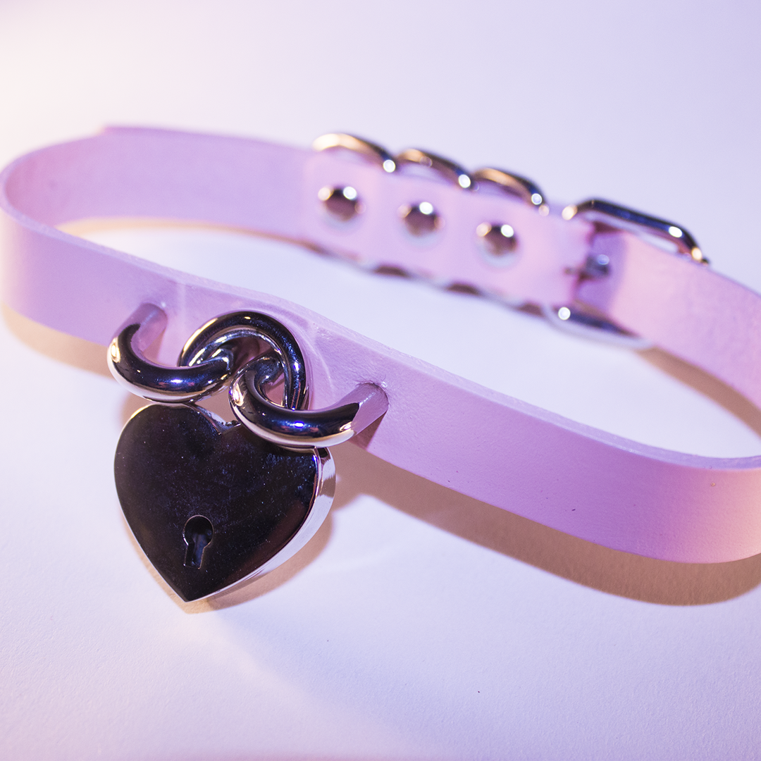Pink nude heart lock choker collar beige fashion at BABYVOODOO.COM - shop pastel goth fashion at baby voodoo ♥